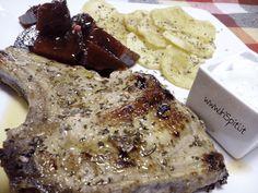 Una ricetta semplice e gustosa per fare un ottima e classica braciola di maiale. Il limone e l'origano danno a questa ricetta greca un sapore unico.
