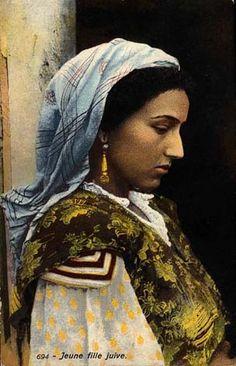 Jewish girl, Maghreb region, Morocco. Just beautiful.