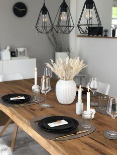 Simple Dining Table, Modern Farmhouse Table, Room Interior, Interior Design, Home Decoracion, Deco Table, Küchen Design, Handmade Ceramic, Ceramic Plates
