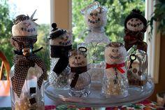Mamie Jane's: Snowman Tutorial .... http://mamiejanes.blogspot.com/2011/07/snowman-tutorial.html#