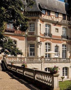 Château de Montvillargenne, Gouvieux, Picardy, France
