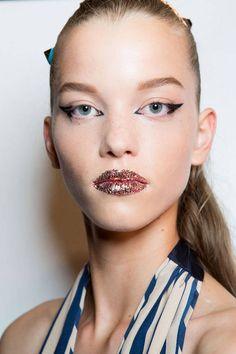 Le make-up disco de chez Fendi