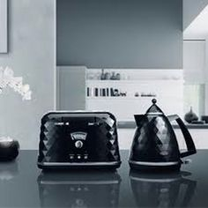 De longhi brilliante kettle and toaster. Bling a bling bling!