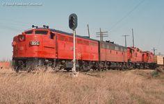 Net Photo: MKT Missouri, Kansas & Texas Railroad (Katy) Alco at Fort Worth, Texas by David Hawkins Union Pacific Railroad, Ho Trains, Model Trains, Missouri, Kansas, Texas, Norfolk Southern, Covered Wagon, Electric Train