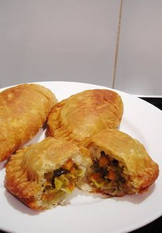 Vegan Curry Pies,  yummy. Make extra for freezer for those need something quick  LOL Im going to try them with no gluten dough. #curry #vegan