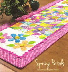 Quilt PATTERN ~ Spring Petals Table Runner ~ 3-D Applique from Magazine