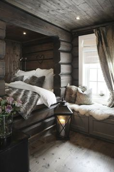 Creative Chalet style of interior decorating ideas Log Home Decorating, Interior Decorating Styles, Home Decor Trends, Decorating Ideas, Interior Design Boards, Decor Interior Design, Design Interiors, Cosy Bed, Cozy Nook