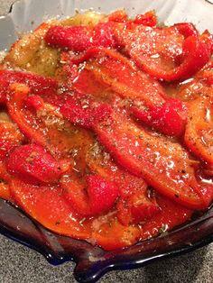 Jemy Pijemy : Pieczona papryka z ziołami i czosnkiem przystawka wegetariańska