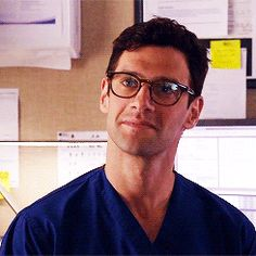 Justin Bartha o. You're Beautiful, Beautiful People, Justin Bartha, Nerd Style, Nerd Fashion, Wearing Glasses, The New Normal, Mens Glasses, Attractive Men