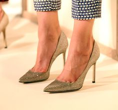 classic style, point toes, thin heel, metallic, sparkly, yes!