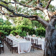 20 Simple Ways to Create a Romantic Vintage Wedding: Not every wedding has to have the same modern touch.