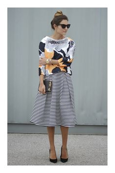 Dica Infalível pra Combinar Estampas: Look Listras+Floral Fashion Mode, Work Fashion, Modest Fashion, Fashion Outfits, Womens Fashion, Style Fashion, Skirt Fashion, Office Fashion, Fashion Ideas