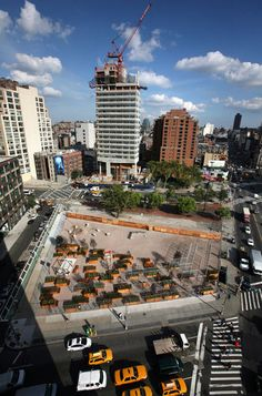 A construction site in New York that was transformed into an urban park to all the neighborhood, it's called LentSpace