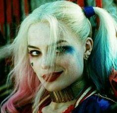 Saw Harley Quinn talking on the wall. Joker Y Harley Quinn, Harley Quinn Drawing, Harley Quinn Cosplay, Joker Cosplay, Arlequina Margot Robbie, Margot Robbie Harley Quinn, Margo Robbie, Foto Joker, Harley Queen