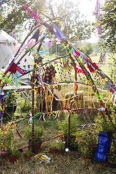 Wilderness festival children's area branches decoration – natural playground ideas