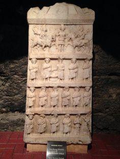 Hierapolis Antik Kentinin kalıntılarıdan mezar çeşitleri