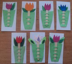 Tulipány - barevné papíry a lékařské špachtle