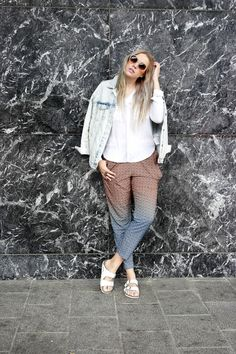 http://lifeisbeautiful.bellablogit.fi/2015/06/denim-and-marble/