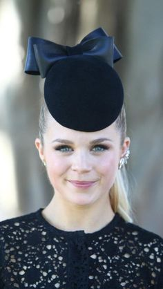 Emma Freedman 2013 Autumn Racing Like our Facebook page and share what is of interest to you www.facebook.com/... Design by http://photo-sharpen.com