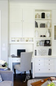 I like the idea of using built ins as office space, it sure does free up the whole room for other activities.   ~ Hollie @ Little Goldfish