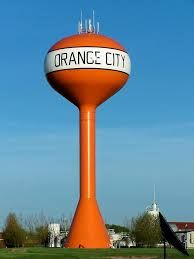 ORANGE CITY, Sioux County, Iowa, USA -- Very well populated with those Decent Dutch Dames, Daniel desires. -- Dispensationalist Daniel totally flips for CUTE (kyoot) CALVINIST. Daniel will just bite his tongue and go with her to her church. Clemson Football, College Football Teams, Clemson Tigers, Football Pics, Orange City Iowa, Northwestern College, Alma Mater, College Fun, Water Tower