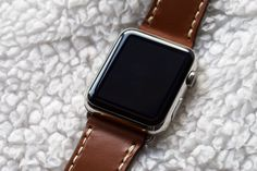 Apple watch strap in Satchel brown leather / écru stitching Apple Watch Leather Strap, Watch Straps, Smart Watch, Brown Leather, Stitching, Satchel, Costura, Smartwatch, Watch Bands