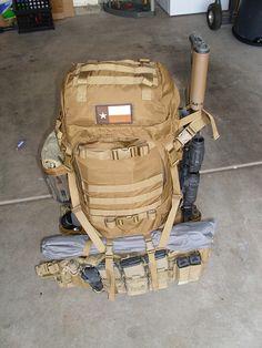 72 hr kit... Bug Out Bag. Excellent kit here.