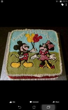 Minnie and Mickey in buttercream.