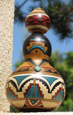 Southwestern Hand-painted Gourd Figure Woman AchristmasbyCarol shop on Etsy Decorative Gourds, Hand Painted Gourds, Native American Crafts, American Indians, Gourd Lamp, Southwestern Decorating, Southwest Art, Art Nouveau, Native Art
