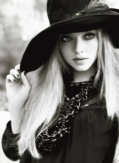 Amanda Michelle Seyfried (born December 3, 1985) is an American actress, singer and model.
