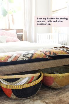 DIY painted baskets under bed storage Interior Exterior, Interior Design, Interior Ideas, Painted Baskets, Do It Yourself Inspiration, Idee Diy, Under Bed, Bedroom Storage, Bed Storage