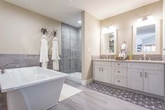 Our Calgary showroom worked on this stunning house project. This bathroom features our Amelia series.