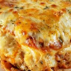 Italian Cajun Lasagna Recipe I've decided to cook my delicious Cájun Láságná thát's not only perfect for Sundáy dinner, it álso mákes the perfect leftovers for lunch throughout the week! Cajun Dishes, Pasta Dishes, Food Dishes, Seafood Recipes, Beef Recipes, Cooking Recipes, Healthy Recipes, Lasagna Recipes, Gastronomia
