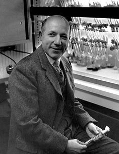 """1961, Melvin Calvin, United States. Nobel Prize winner """"for his research on the carbon dioxide assimilation in plants"""""""