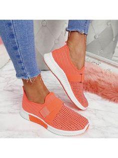 ninacloak.com Moda Sneakers, Sneakers Mode, Slip On Sneakers, Sneakers Fashion, Tenis Casual, Casual Shoes, Casual Chic, Walking Sneakers For Women, Walking Shoes