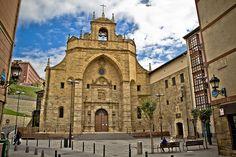 Museo Sacro de las Encartaciones. Situado en la plaza de la Encarnación de Atxuri.