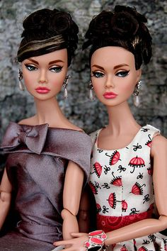 The most fabulous Poppy sculpt yet, I just adore Star in the Making Poppy, wearing pretty dresses and looking delectable. Beautiful Barbie Dolls, Pretty Dolls, Fashion Royalty Dolls, Fashion Dolls, Poppy Doll, Black Barbie, Barbie Barbie, Poppy Parker, Foto Pose