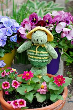 Finished Knit: Rainy Day Turtle | knittedbliss.com