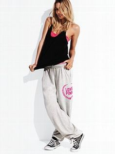 Kick back in the Campus Pant from Victoria's Secret PINK®. In a comfy, oversized fit—it's a college favorite. With a banded bottom you can roll, scrunch or wear long. Super comfy and super soft, these are fleece sweats to live, love and lounge in 24/7.