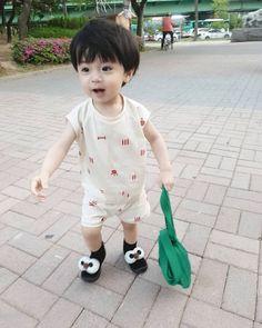 Baby Momma, Cute Baby Boy, Cute Little Baby, Little Babies, Baby Kids, Cute Asian Babies, Korean Babies, Asian Kids, Cute Kids Photos