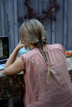 pretty fishtail braid - photo by     Margaret Oomen