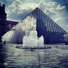 Musée du Louvre in Paris, Île-de-France 1196 Seine