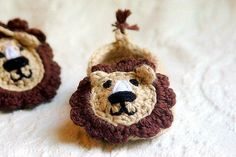 Top 10 animal crochet patterns - baby lion slippers by Two Girls Patterns - download at LoveCrochet