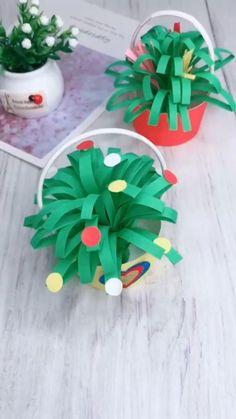 Instruções Origami, Paper Crafts Origami, Paper Crafts For Kids, Preschool Crafts, Kids Origami, Diy Paper, Diy Crafts Hacks, Decor Crafts, Fun Crafts