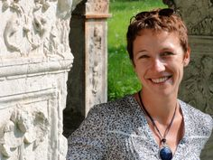 (c) D. R.  Festival author Anne-Laure Bondoux (b. 1971) grew up in a suburb of Paris. She earned a degree in literature and literary criticism and worked in a publishing house as supervisor to a youth magazine. Anne-Laure Bondoux already wrote stories as a child and composed her first novel at 18. Her first publications appeared in magazines. Since 2000, she has dedicated herself to writing full-time. Her works have been translated into 20 languages