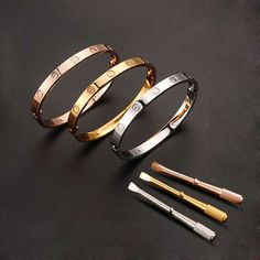 Bracelet Type: Bracelets Fine or Fashion Style: Fashion Diameter: the the picture Style: Stylish Gender: Unisex Setting type: Bezel setting Material: Crystal Plating: Plated Gold Rosê Metal Type: Stai