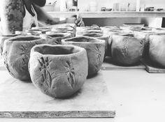 Tarde tranquila con amigos #trabajoenprogreso #workpogress #yunomis #uncaminoespiritual #unaformadevida #te #teatime #cha #chado Pottery Patterns, Pattern Ideas, Instagram Posts, Decor, Spirituality, Friends, Decoration, Pottery Designs, Decorating