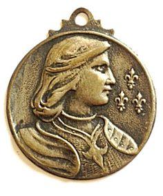 Vintage Medal Saint Joan of Arc Religious Holy Pendant (Image1)