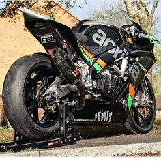 Street Fighter Motorcycle, Motorcycle Wheels, Moto Bike, Motorcycle Design, Image Moto, Vespa Scooter, Custom Sport Bikes, Bike Photography, Motorcycle Manufacturers