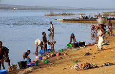le Niger en face de Koulikoro, Mali La Face, Down The River, West Africa, Camel, Boat, Landscape, People, Animals, Dinghy